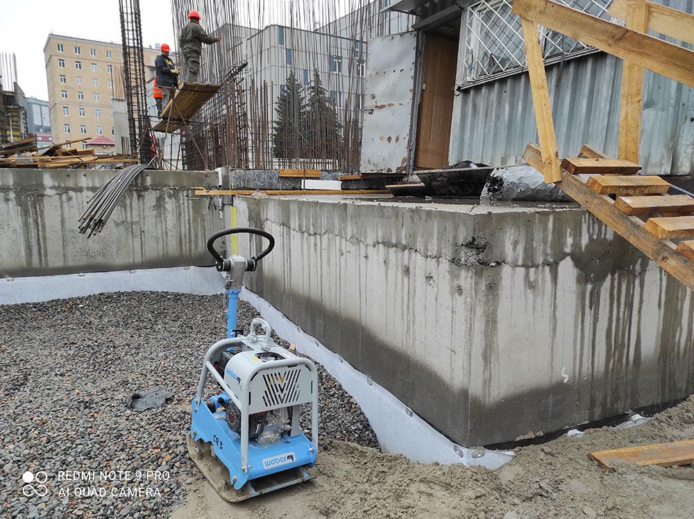 Комплексные работы по устройству гидроизоляции ростверка в офисном здании